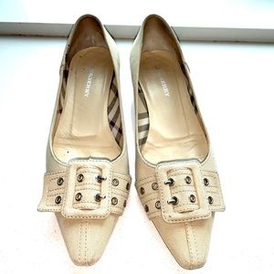 Authentic Burberry Tan Canvas Flats with Buckles.
